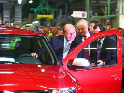Băsescu are Dacia Duster ca nimeni altul! (FOTO)