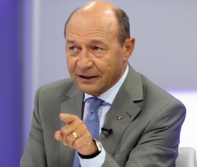 Preşedintele Traian Băsescu, scuipat când participa la festivitatea Regatei Mării Negre (VIDEO)