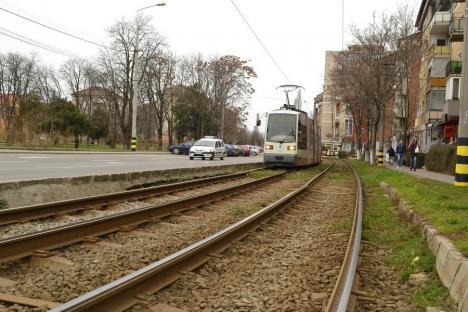 OTL: Tramvai vandalizat în staţia Perla