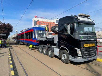 A sosit al patrulea tramvai Imperio în Oradea, din cele 10 prevăzute pentru 2021 (FOTO)