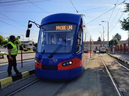 A ajuns al optsprezecelea tramvai Imperio la Oradea (FOTO)