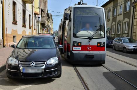 OTL: Staționări tramvaie în 12 aprilie