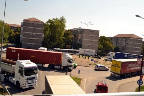 Trecerea de nivel cu cale ferată din strada Uzinelor va fi modernizată pentru a reduce ambuteiajele de pe şoseaua de centură (FOTO)