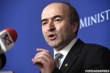 PSD a decis să-i retragă sprijinul lui Tudorel Toader. Ministerul Justiției ar putea fi preluat de Eugen Nicolicea