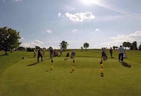 Kids Golf Tour Romania: Concurs de golf pentru copii, dar şi lecţii gratuite pentru neiniţiaţi, la Ineu