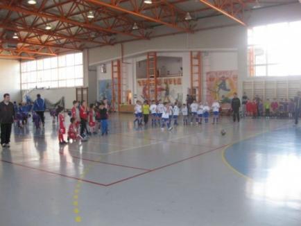 Turneul pentru copii organizat de FC Bihor la Sântandrei a fost câştigat de Kinder Carei