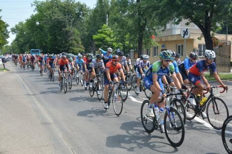 Columbianul Ivan Ramiro Cuervo este lider în Turul Ciclist al Bihorului, după semietapele de sâmbătă