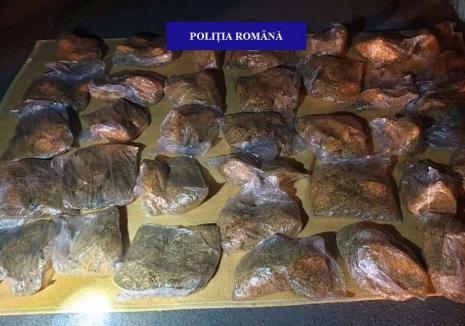 Aproape 18 kilograme de tutun de contrabandă au fost confiscate de poliţiştii din Marghita