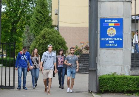 Peste 1.200 de candidaţi şi-au depus dosarele în prima săptămână de admitere la Universitatea din Oradea
