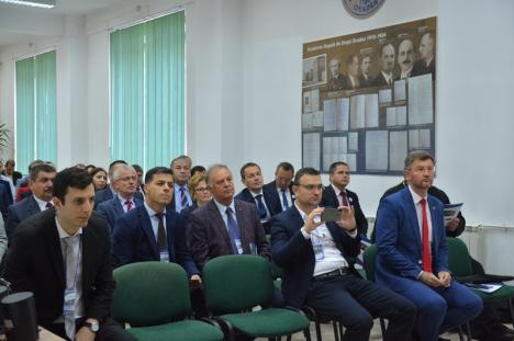 Cursanţii Colegiului Naţional de Apărare dezbat la Oradea contextul istoric de acum un secol (FOTO)