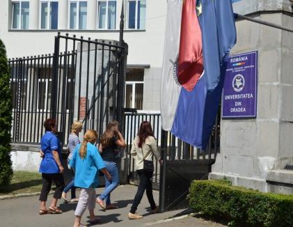Taxe mai mari pentru studenţii Universităţii din Oradea. Cea mai mare creştere: aproape 9.000 de lei!