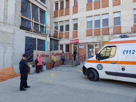 Măsuri de precauţie la Urgenţe în Oradea: Triaj special, cu termo-măsurare şi chestionare, plus restricţii totale pentru aparţinători (FOTO)