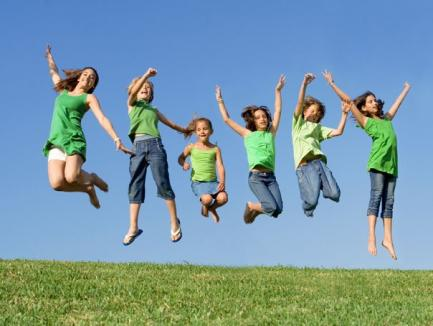 Bucurie pentru elevi: se lungesc vacanţele!