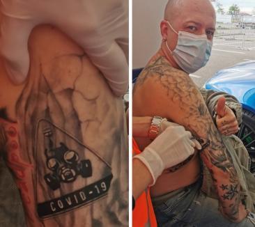 Un orădean şi-a tatuat 'Covid-19' pe braţ, ca amintire din pandemie. A primit și vaccinul în aceeaşi mână(FOTO)
