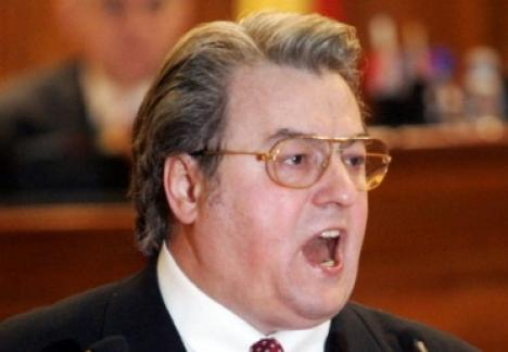 Corneliu Vadim Tudor a făcut scandal la evacuarea PRM