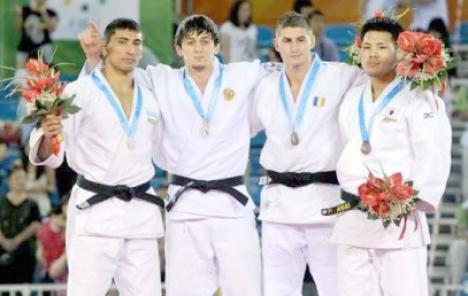 """După ce a luat bronzul în China, """"bătăuşul"""" Valentin Radu vine să dea piept cu procurorii"""