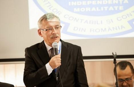 Războiul contabililor: Preşedintele CECCAR Bihor ţine de funcţie… cu bodyguarzii