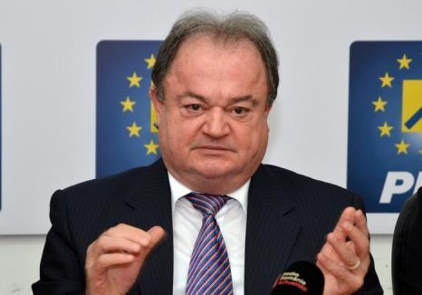 Liderul PNL Vasile Blaga, audiat la DNA Bucureşti: Procurorii fac cercetări în legătură cu accidentul şefului Poliţiei Bihor