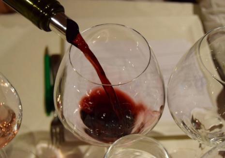 BIHOREANUL îți dă de băut! Câștigă bilete de acces la Salonul vinurilor excelente din Cetatea Oradea