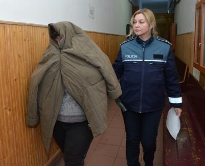 Universitara Viorica Banciu, trimisă în judecată împreună cu două dintre studentele care au mituit-o