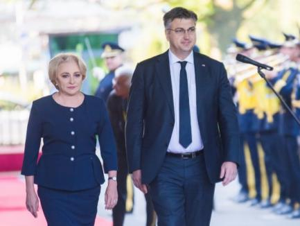 Dăncilă o comite din nou: Gafe şi erori de protocol, la întâlnirea cu premierul Croaţiei (VIDEO)