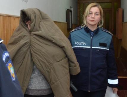 Curtea de Apel: Universitara prinsă cu şpagă rămâne în arest