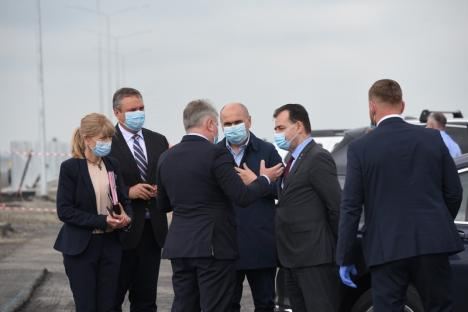 Pe şantier: Contractul pentru tronsonul Chiribiş-Biharia al Autostrăzii Transilvania, semnat în prezenţa premierului Ludovic Orban(FOTO / VIDEO)