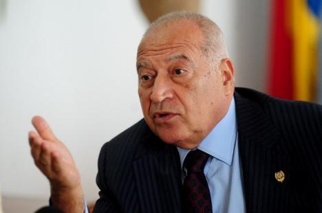 Voiculescu a demisionat din Senat