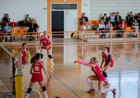 Voleibalistele de la CSU Oradea au câştigat cu 3-2 jocul de la Timişoara, cu Politehnica
