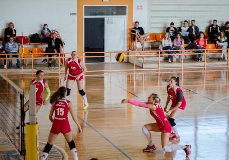 După a treia victorie consecutivă, voleibalistele de la CSU Oradea au urcat pe podiumul Diviziei A2 Vest