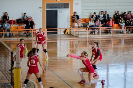 Voleibalistele de la CSU Oradea s-au impus cu 3-0 în jocul de pe teren propriu cu CSM Sibiu (FOTO)