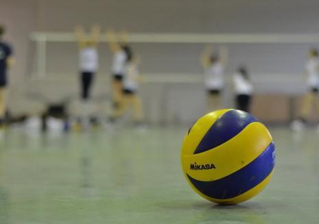 CSU Oradea a câştigat în trei seturi jocul de la Craiova, din etapa a V-a a Diviziei A, Seria Vest