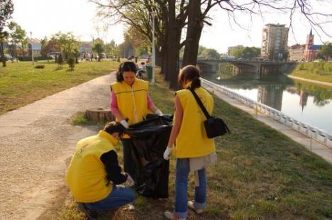 Voluntari pentru Oradea