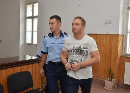 Bihorel: Directorul Răzvan Vonea de la Şaguna, la bulău