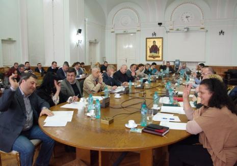 Pe bandă rulantă: Consiliul Local Oradea a aprobat 20 de lucrări pentru care vrea să atragă finanţare europeană