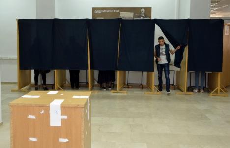 Alegerile pentru viitorul rector al Universităţii din Oradea, amânate