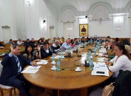 Cresc (iar) impozitele! Consiliul local Oradea majorează birurile cu 4,6% şi introduce noi taxe speciale