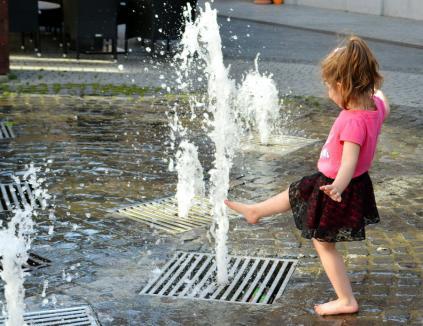 Se strică vremea: Instabilitate atmosferică și caniculă în toată țara