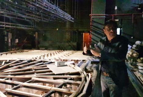 Daniel Vulcu susţine că scena rotativă a Teatrului a fost 'proiectată greşit'. Cum îi răspunde şefa Teatrului Szigligeti (VIDEO)
