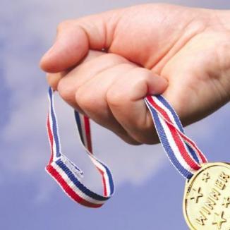 Elevii bihoreni au câştigat premiul întâi la 15 probe de olimpiade şcolare