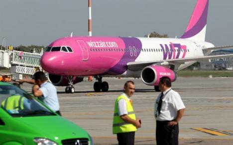 Panică la Cluj: Ameninţare cu bombă la bordul unui avion care urma să decoleze spre Londra