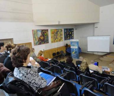 O nouă etapă în proiectul PRACTeam: se instruiesc tutorii pentru studenţi