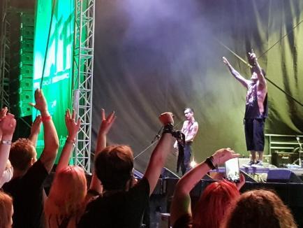 WTF: În a doua zi de festival, rockerii au cântat 'Săracă inima me'. Diseară, la Ineu urcă pe scenă Viţa de Vie şi Fraţii Jdieri (FOTO / VIDEO)