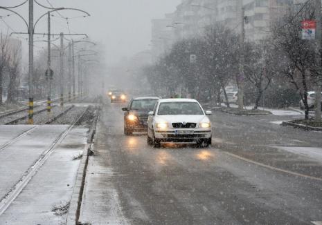 Vreme rea în Bihor: Ploi şi ninsori viscolite în acest sfârşit de săptămână
