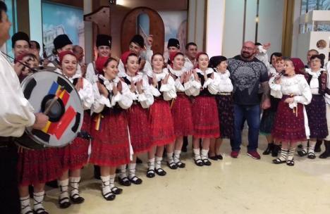 În finală, la Măruţă: 'Zestrea Budureşii' din Bihor vrea să câştige Duelul Ansamblurilor (VIDEO)