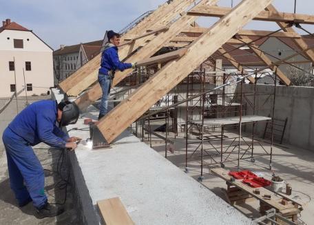 Reabilitarea zidurilor Cetăţii Oradea a fost realizată în proporţie de 57% (FOTO)