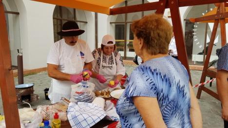 Zilele Culturii Slovace: Tradiţii şi concurs de gătit găluşte tăuţeşti, în Cetate (FOTO / VIDEO)