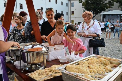 Concurs de gătit găluște și plăcinte la Zilele Culturii Slovace, în Cetatea Oradea