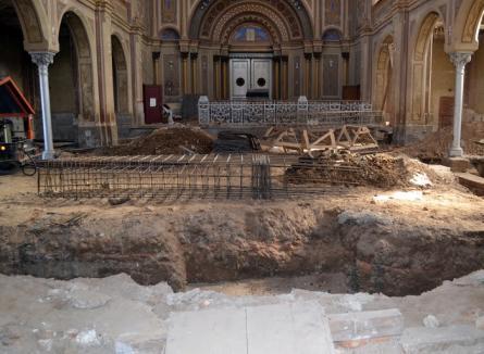 Se refac (şi) zugrăvelile! Lucrările de reabilitare a sinagogii Zion au fost suplimentate cu 400.000 euro