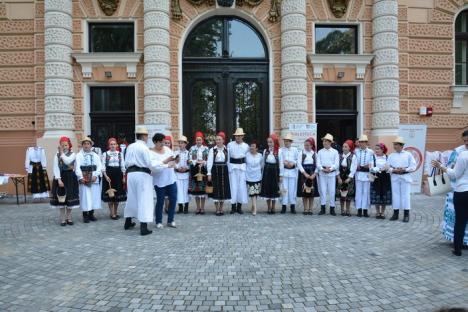 PSD-istele din Bihor au sărbătorit Ziua Iei, cu plăcinte de Beiuş şi dansuri populare (FOTO/VIDEO)